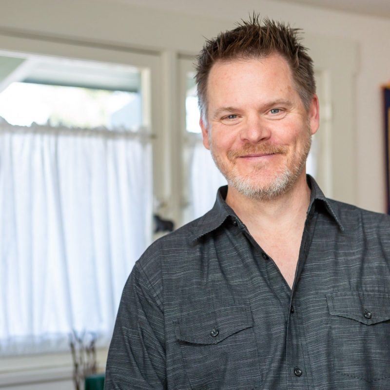 Chris Tickner smiles brightly for the camera. He is an infidelity therapist in Pasadena, CA that offers affair recovery counseling. Contact him for support with affair recovery counseling in Pasadena, CA and other services.